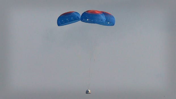 Jeff Bezos Blue Origin Launch Lead