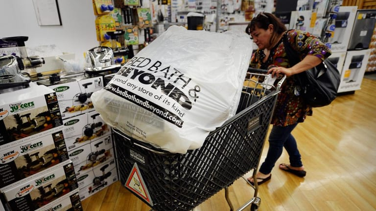 Bed Bath & Beyond Wavers After Q2 Same-Store Sales Miss, 2019 Earnings Outlook