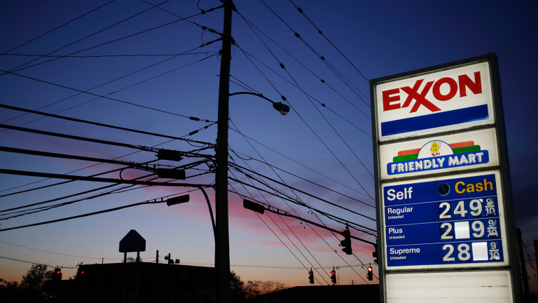 Exxon Shares Tick Lower Ahead of New CEO's First Turn in Front of Shareholders