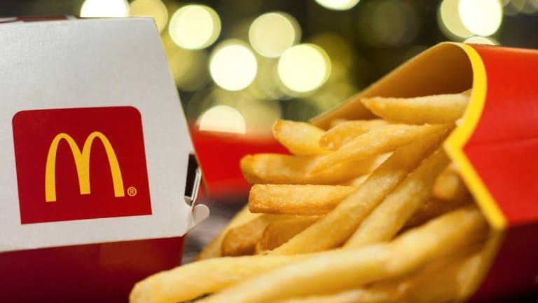McDonald's Beats Same-Store Sales Estimates as Bacon, Mix-&-Match Deals Impress