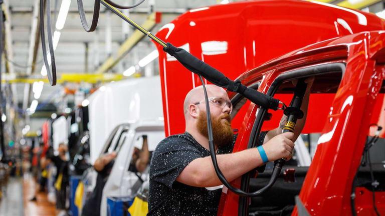 General Motors to Furlough 1,300 Canadian Workers Amid UAW Strike