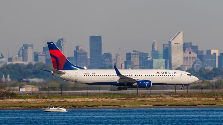 Delta Air's July Load Factor Strengthens but Shares Slip