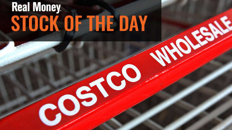 Costco to Raise Minimum Wage to $15/hr After Earnings Beat