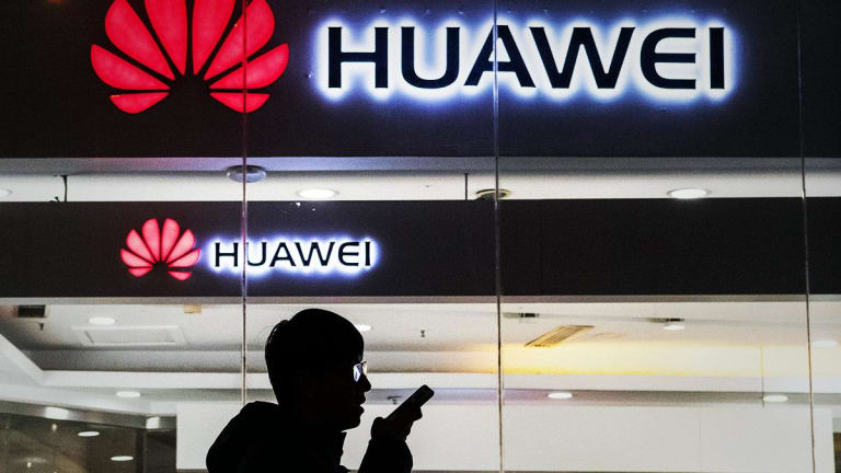 U.S. Extends by 90 Days Permit for Carriers to Do Business With Huawei