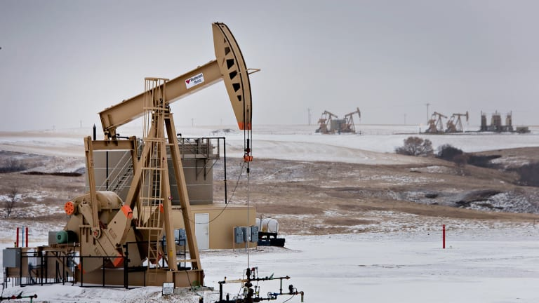 More Clarity Needed on Oil Prices as Canadian Investments Fall
