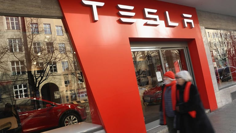Goldman Downgrades Tesla Amid Debt Load and Dearth of New Products