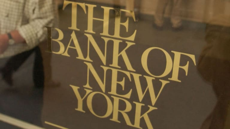 Bank of New York Mellon Slides After Whiffing on First-Quarter Earnings