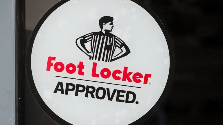 Foot Locker Blasts Q4 Sales Estimate, Sees Double-Digit Earnings Growth in 2019