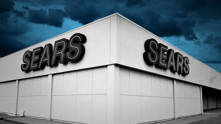 Sears Avoids Liquidation as Court Gives Lampert a Day to Revise $4.4 Billion Bid