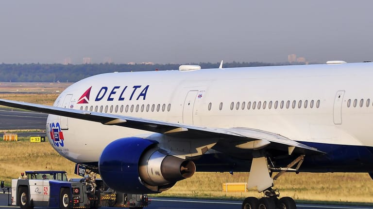 Delta Gains After CEO Bastian Confirms Earnings Guidance on Solid Q1 Demand
