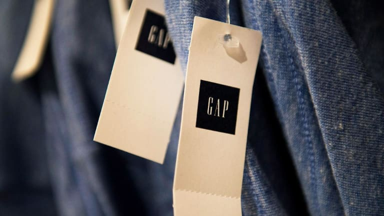 Gap Shares Advance; Retailer's Q3 Adjusted Net Exceeds Estimate