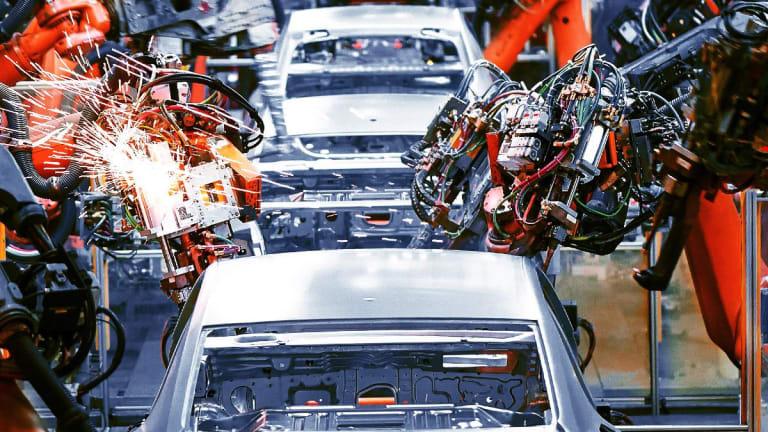 U.S. Launches Antitrust Probe into California Automaker Agreement