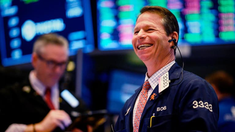 Dow Ends Up 250; Stocks Close Higher on Trade-Talk Hopes