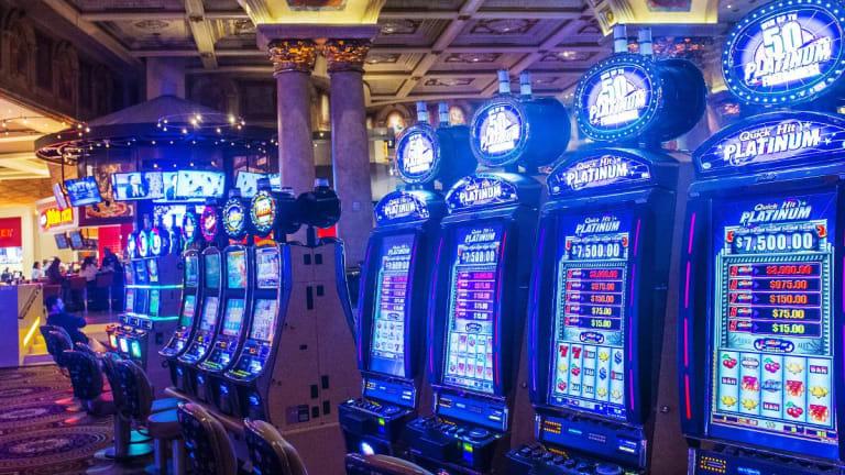 Caesars Jumps on Eldorado Merger Talk as Carl Icahn Pushes For Casino Group Sale