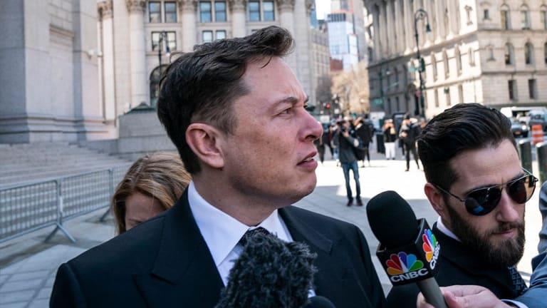 Tesla's Musk Faces New SEC Fines in Bid to Rein Him in on Twitter