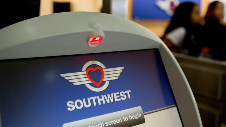 Southwest Posts Record Earnings Despite MAX Hit; Plans to Depart Newark