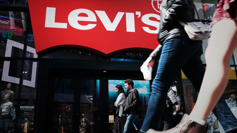 Levi Strauss Rises After Reporting First Earnings Since IPO