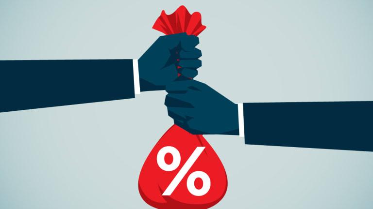Chart: The U.S. Bond Market Is a Tug of War