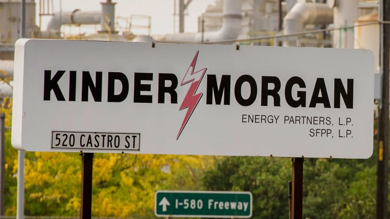 Jim Cramer -- Kinder Morgan Situation Is 'Fluid,' but He Likes Energy Transfer Partners
