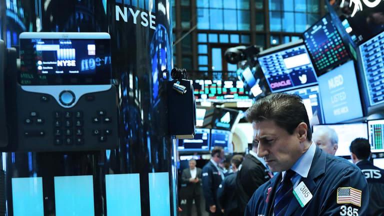 Cisco, Walmart, Brexit, Warren Buffett and JPMorgan - 5 Things You Must Know