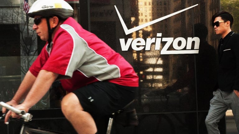 Verizon Says 10,400 Accept Buyout Offer to Pave Way for '5G Era'