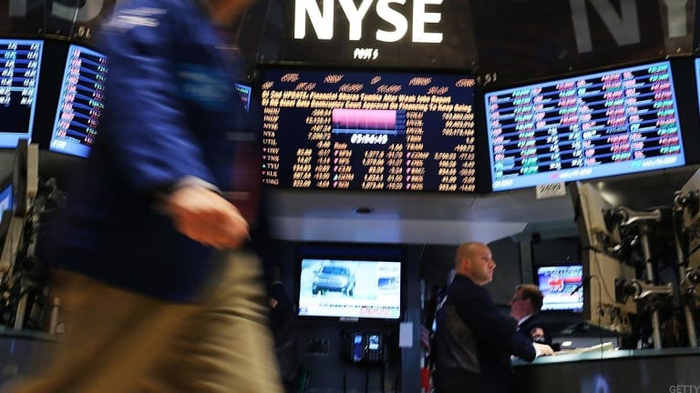 Global Stocks Recover After Rout, Dollar Extends Gains in Cautious Trading