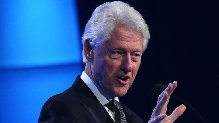 Ex-President Bill Clinton on Blockchain: Don't 'Kill the Golden Goose'