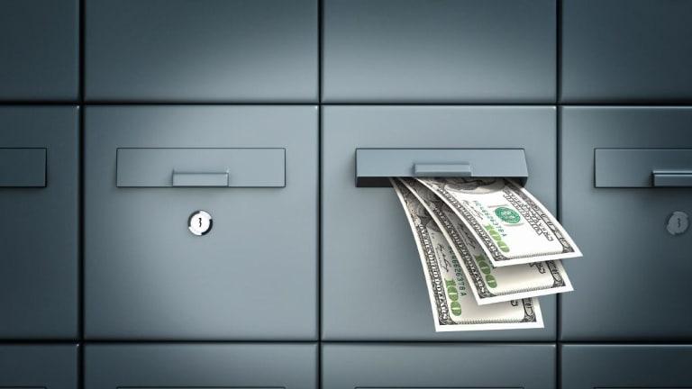 Money Order vs. Cashier's Check: What's the Best Option?