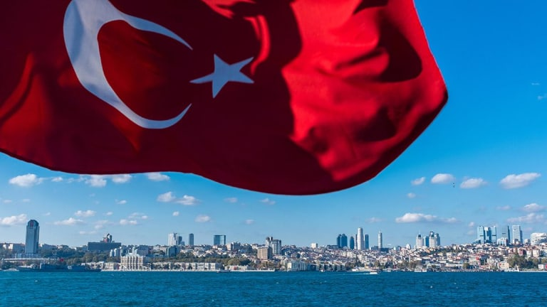 Erdogan Denounces 'Economic War' on Turkey as Lira Crisis Spills into Europe