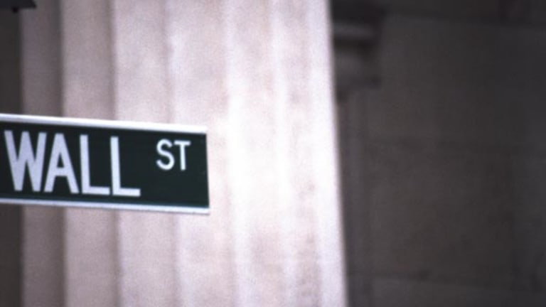 Stocks Use Late Push to End With Big Gains