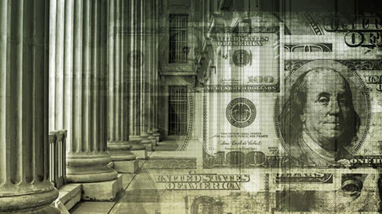 Insiders Trading SPB, MSFT, LULU, MLNK