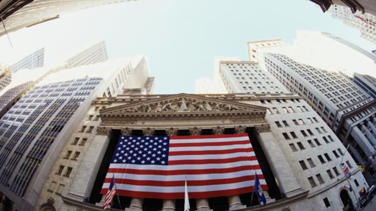 Stock, Bond Yields Suggest Equities Are a 'Buy'