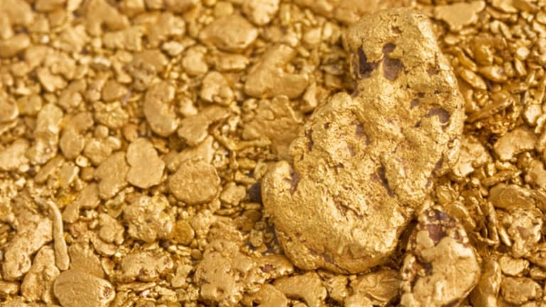 Gold Prices Rally as Data Disappoints