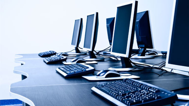 RIM, Facebook, Micron: Tech Premarket