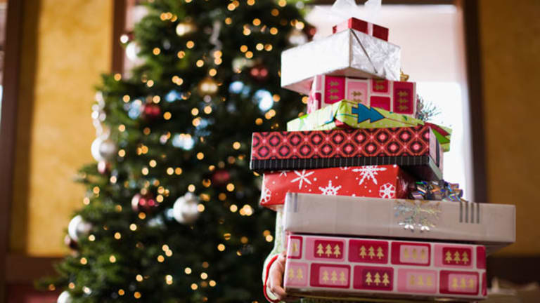 4 Etiquette Expert-Approved Ways to Ditch Unwanted Gifts