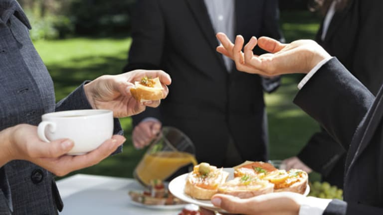 5 Ways to Get Your Employees Outside in the Sun