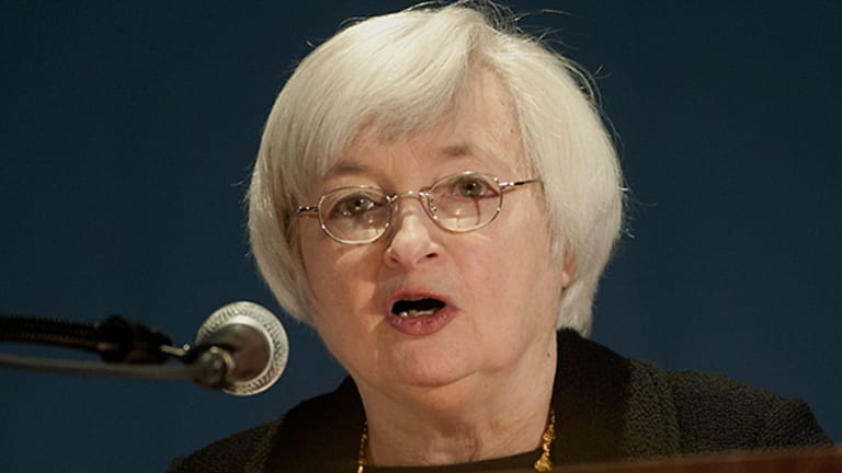 Yellen Says Economy to Expand Faster in 2014