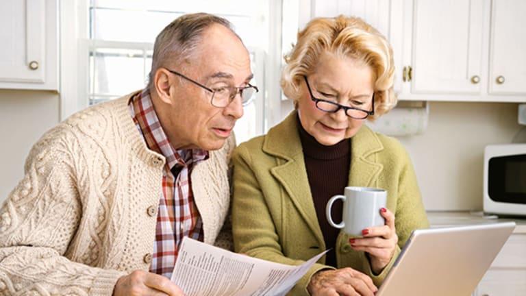 How Older Retirement Savers Use Social Media