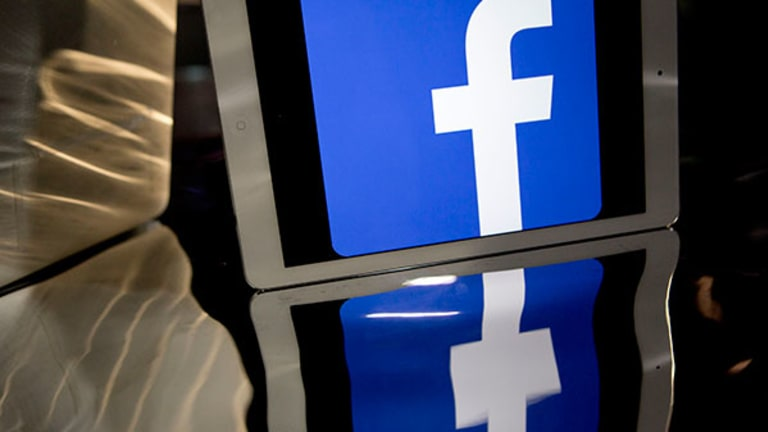 Facebook Bests Pinterest at Converting Sales on Cyber Monday