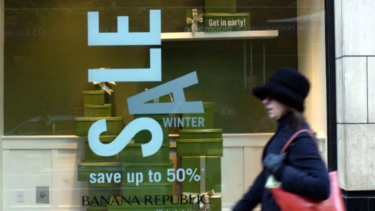 Gap Blames Calendar for Struggling Summer Sales