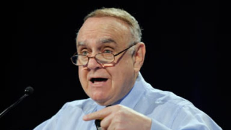 Leon Cooperman Says Stocks Still Better Than Bonds, There's No Recession