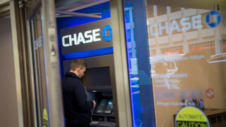 How 'Chase Pay' May Take a Big Bite Out of Apple