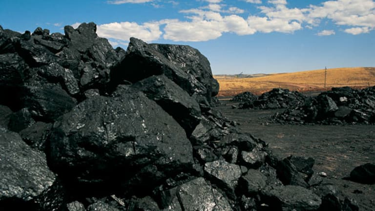Coal Mining Stocks: The Year in Review and What to Dig in 2015
