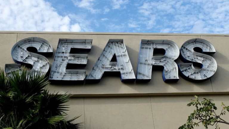 Sears Is Failing Right Before the Eyes of Investors and Customers
