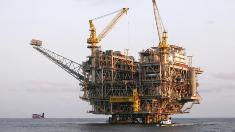 Falling Oil Prices Likely to Force More Energy Companies to Merge