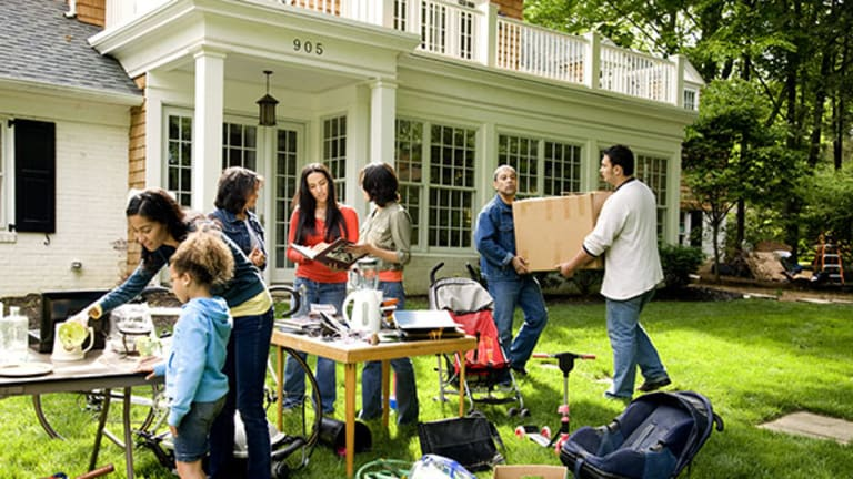10 Tips to Make Sure Your Yard Sale's Worth It