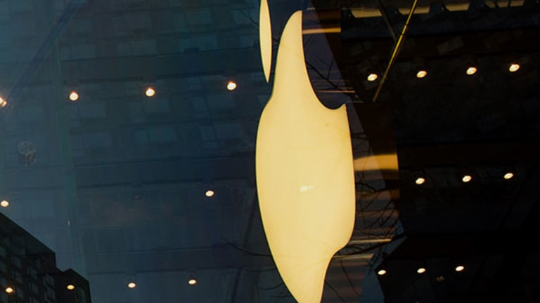 Another Fee Bonanza Looms for Apple Debt Underwriters
