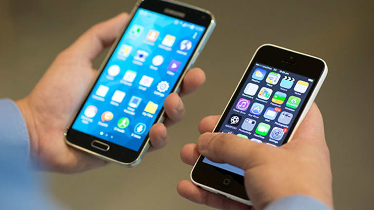 Apple, Google, Smartphone Sales Strong as Microsoft Continues to Take a Hit