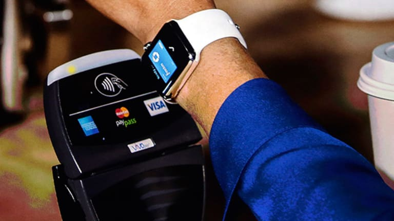 Look to Whole Foods to See How the Apple Watch Could Change Retail