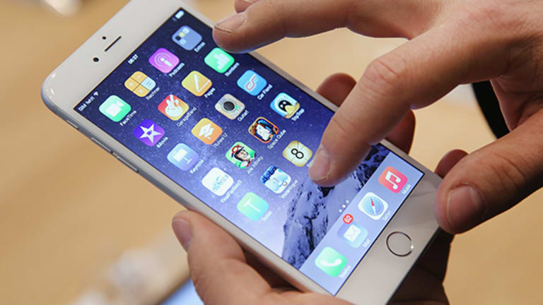 Will Bendgate Have Any Long-Term Effect on Apple's iPhone 6 Plus Legacy?